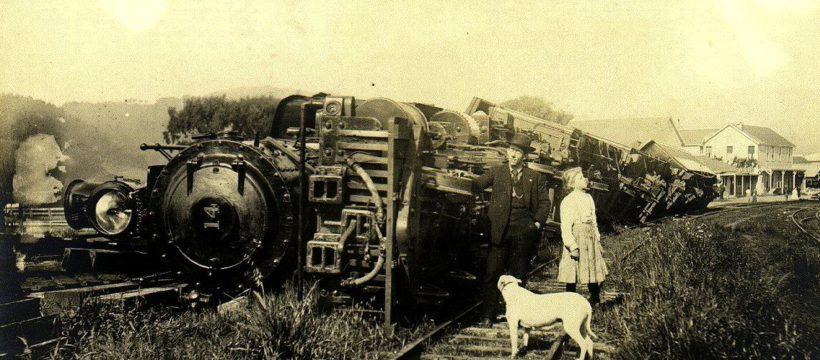 Labeled for reuse https://upload.wikimedia.org/wikipedia/commons/1/14/1906_earthquake_train.jpg