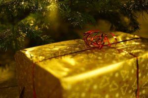 christmas-present courtesy pixabay